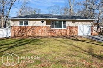 183 Hampton Avenue 3 Beds House for Rent Photo Gallery 1