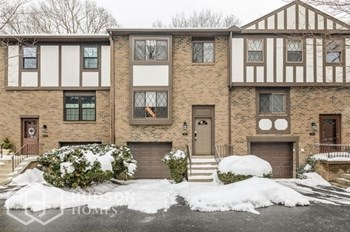 2007 St James Pl 3 Beds House for Rent Photo Gallery 1