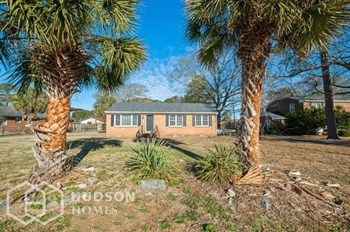 203 PINEWOOD DRIVE 3 Beds House for Rent Photo Gallery 1