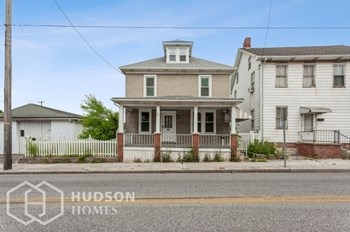 209 Main Street 4 Beds House for Rent Photo Gallery 1