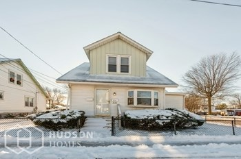 2126 REDWOOD AVENUE Unit 2 2 Beds House for Rent Photo Gallery 1