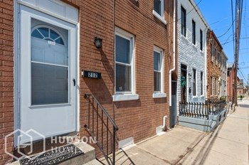 212 N PLUM STREET 3 Beds House for Rent Photo Gallery 1
