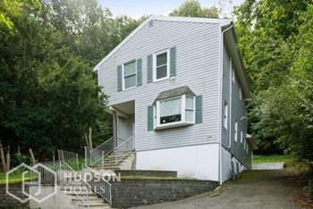230 W Blackwell St Rear 2 Beds House for Rent Photo Gallery 1