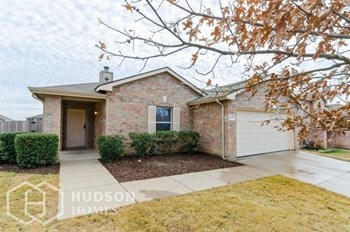 2427 Castle Pines Dr 3 Beds House for Rent Photo Gallery 1