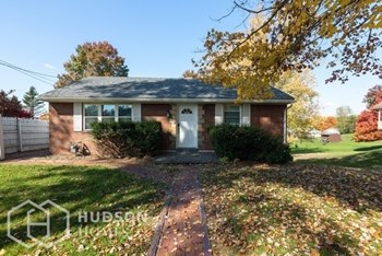 301 RUSSELL DR 2 Beds House for Rent Photo Gallery 1
