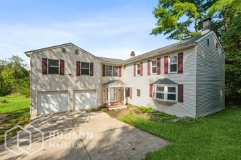 328 TUNNEL RD 3 Beds House for Rent Photo Gallery 1