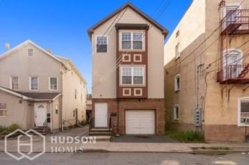 332 Mechanic St Unit 2 3 Beds House for Rent Photo Gallery 1