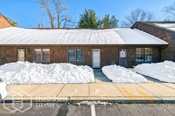 44 B QUAIL RUN DR 2 Beds House for Rent Photo Gallery 1
