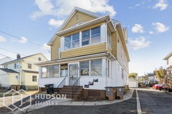 45 Wilson St Unit 2 2 Beds House for Rent Photo Gallery 1