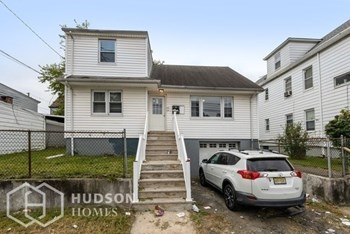 472- 474 21St Ave Unit 2 2 Beds House for Rent Photo Gallery 1