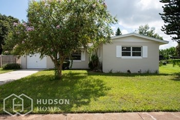 4850 Worth Ave 3 Beds House for Rent Photo Gallery 1
