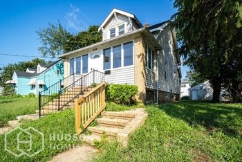 543 HAMILTON STREET 2 Beds House for Rent Photo Gallery 1