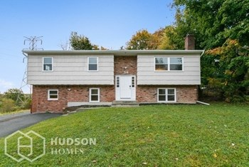 54 Spring Brook Rd 5 Beds House for Rent Photo Gallery 1