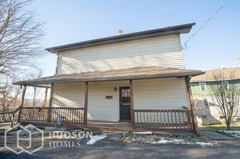 60 E Shawnee Ave 3 Beds House for Rent Photo Gallery 1