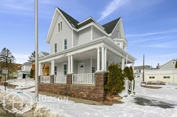 63 Fifth St Unit 1 1 Bed House for Rent Photo Gallery 1