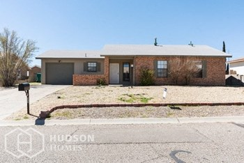 663 Wagon Train Drive S E 3 Beds House for Rent Photo Gallery 1