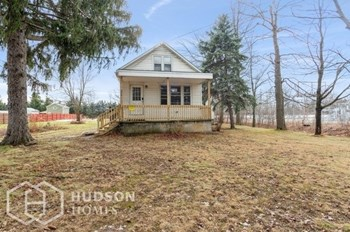 690 BULLIS RD 3 Beds House for Rent Photo Gallery 1