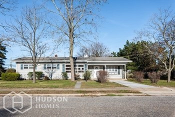 6 COLONIAL AVE 3 Beds House for Rent Photo Gallery 1