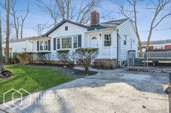 710 BALTIC DRIVE 2 Beds House for Rent Photo Gallery 1