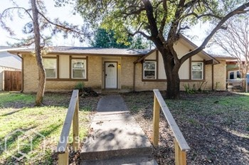713 Edelweiss Dr 3 Beds House for Rent Photo Gallery 1