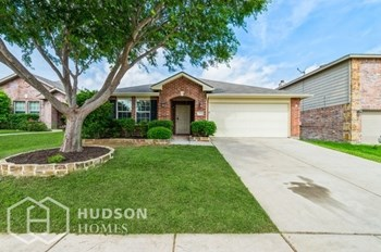 725 Lark Dr 4 Beds House for Rent Photo Gallery 1