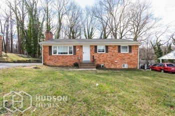 7513 EPPING AVENUE 3 Beds House for Rent Photo Gallery 1