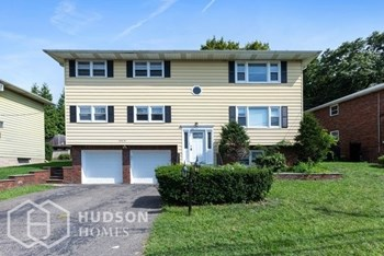 85 ROCK RD Unit 2 3 Beds House for Rent Photo Gallery 1