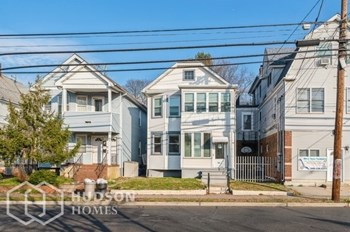86 Somerset St Unit 2 3 Beds House for Rent Photo Gallery 1