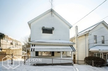 927 Stafford Ave 3 Beds House for Rent Photo Gallery 1