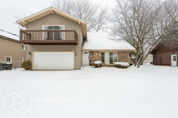 990 BUTLER DR 4 Beds House for Rent Photo Gallery 1