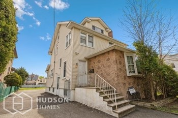16 Riverside Ave Unit 2 2 Beds House for Rent Photo Gallery 1