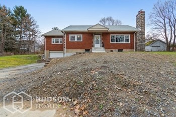 228 CARTER AVE 3 Beds House for Rent Photo Gallery 1