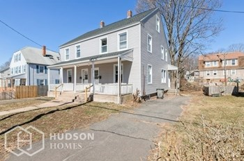 117 COOPER HILL ST 3 Beds House for Rent Photo Gallery 1