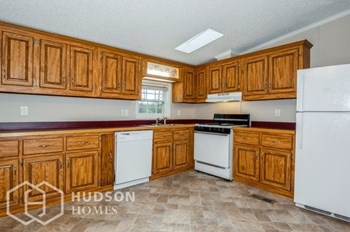 6852 CAMPBELL RD 3 Beds House for Rent Photo Gallery 1