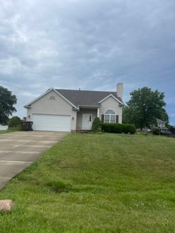 12263 NW SKYLINE ST 3 Beds House for Rent Photo Gallery 1