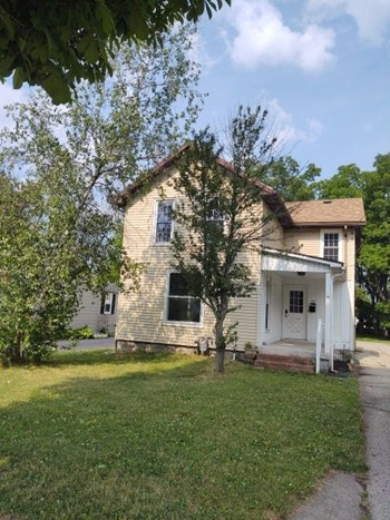 43 Lake Avenue 4 Beds House for Rent Photo Gallery 1