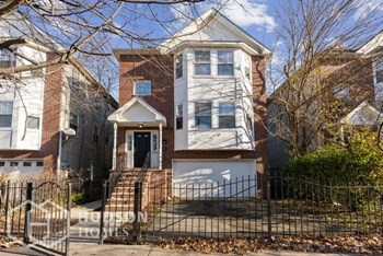580 S 18Th St Unit 2 3 Beds House for Rent Photo Gallery 1