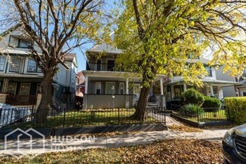 1405 E 95TH ST Unit 1 2 Beds House for Rent Photo Gallery 1