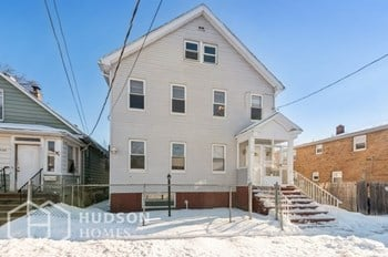1107 Frank Street Unit 4 2 Beds House for Rent Photo Gallery 1