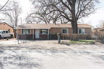 1620 Mcewen Court Sw 2 Beds House for Rent Photo Gallery 1