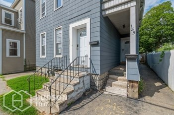 185 Division St Unit 1 3 Beds House for Rent Photo Gallery 1