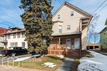 26 28 BROWNELL AVE Unit 2 4 Beds Duplex/Triplex for Rent Photo Gallery 1
