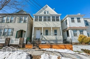 44 DURANT AVENUE Unit 1 2 Beds House for Rent Photo Gallery 1