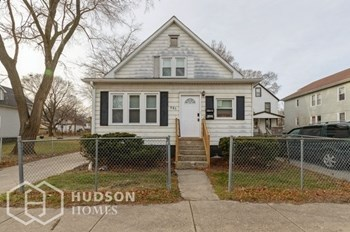 910 S MARTIN LUTHER KING JR DR Unit 2 2 Beds House for Rent Photo Gallery 1