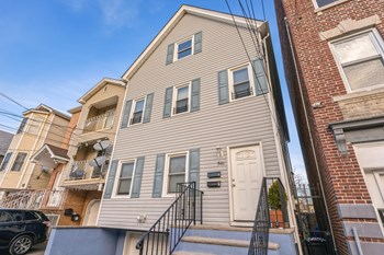 541 Fulton St Unit 1 2 Beds House for Rent Photo Gallery 1