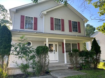 239 S Charleston Ave 4 Beds House for Rent Photo Gallery 1
