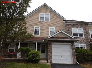 57 Lower Ridge View Cir D 3 Beds House for Rent Photo Gallery 1