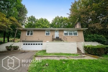 842 Totoket Rd 3 Beds House for Rent Photo Gallery 1