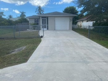 141 1St St 3 Beds House for Rent Photo Gallery 1