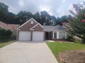 2720 Sterling Creek Pointe 3 Beds House for Rent Photo Gallery 1